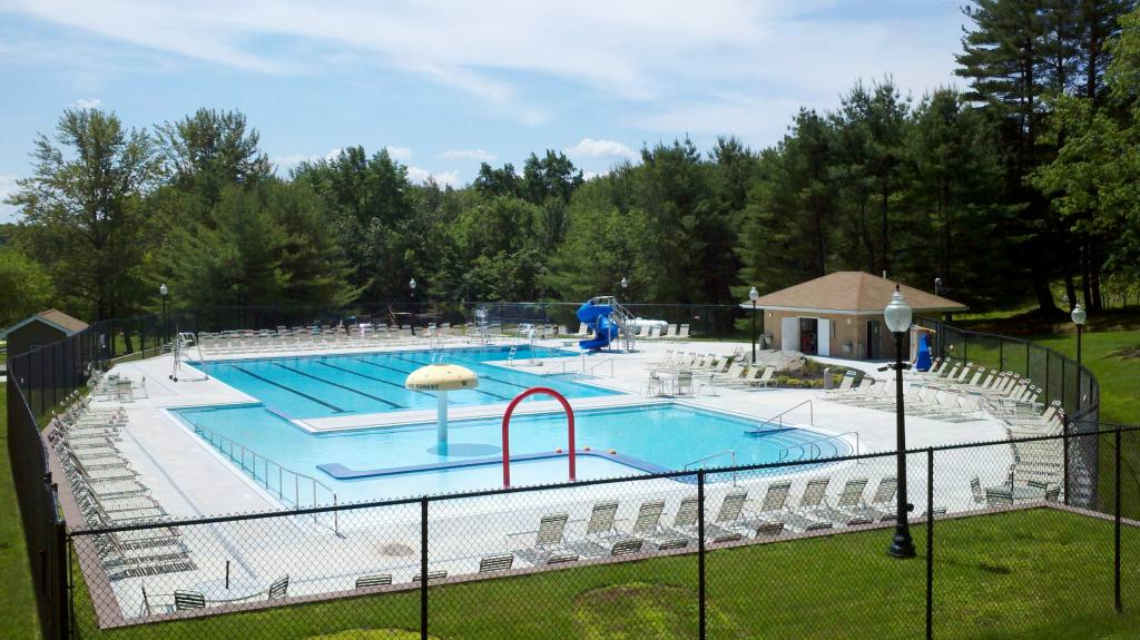 Amenities at fawn lake for Garden oaks pool